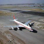 """Douglas DC-8-32, HB-IDA """"Matterhorn"""" am Boden"""