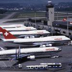 Vier verschiedene Swissair-Jumbo Boeing 747-357 und McDonnell Do