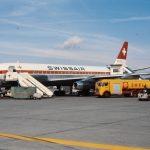 """Betankung der Douglas DC-8-33, HB-IDC """"Zürich"""" in Zürich-Kloten"""